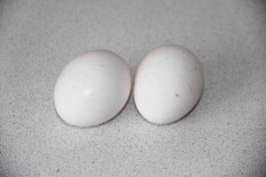 Как правильно приготовить яичницу-глазунью
