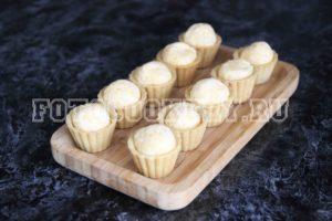 Тарталетки с сыром, яйцом и чесноком