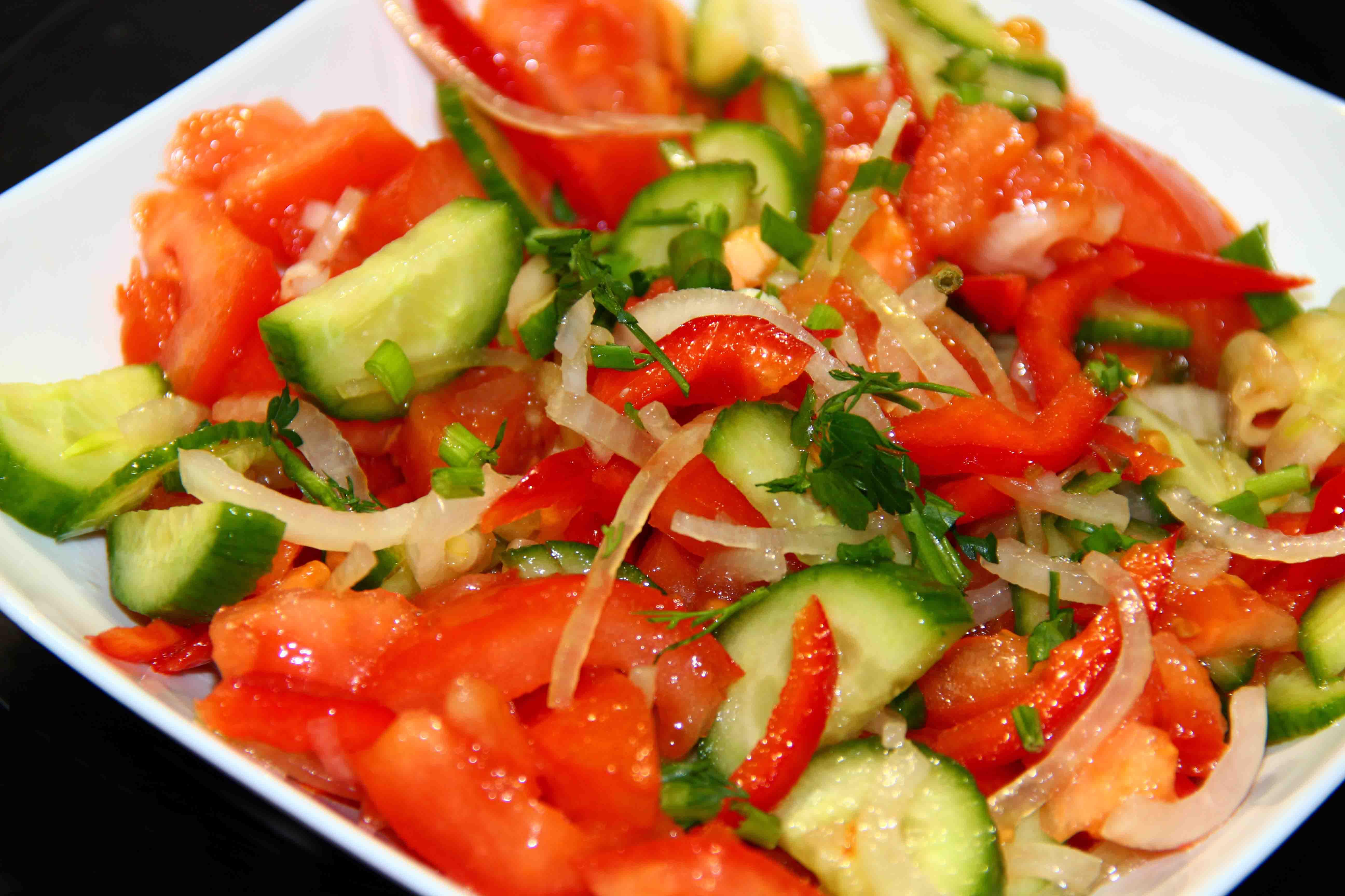 Салат с болгарским перцем и помидорами рецепт с пошагово
