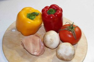 Перец фаршированный курицей и грибами