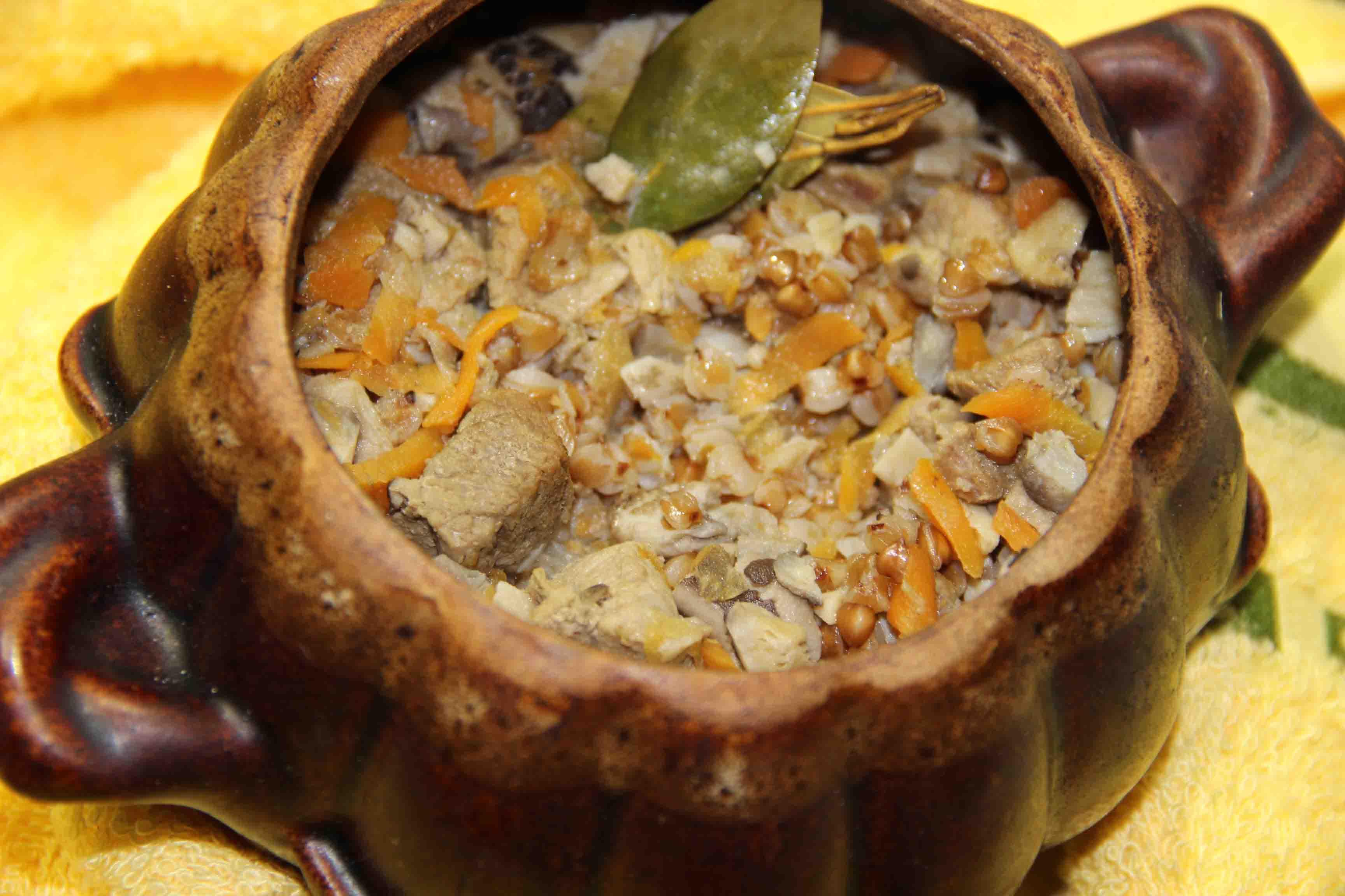 горшочки с гречкой,мясом и грибами