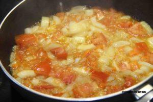 Спагетти с овощным соусом