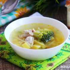 вермишелевый суп с брокколи