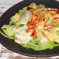 морепродукты на гриле с овощами