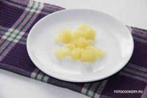 Рисовая каша с ананасом и яблоком