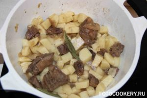 Картошка, тушеная с уткой