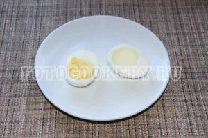 яйцо пополам