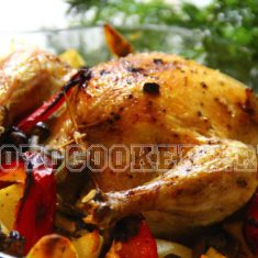 Запеченный цыпленок, фаршированный грибами