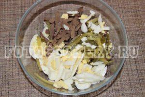Салат с печенью и огурцом