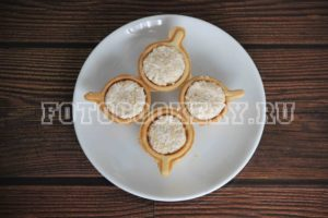 Тарталетки с печенью трески и яйцом